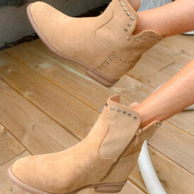 Shoes boots nude studs