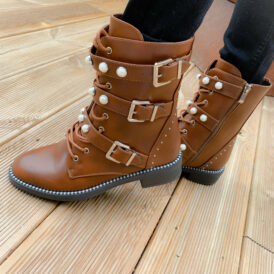 Shoes pearl boots camel