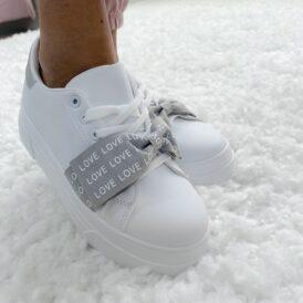 Sneakers love grey