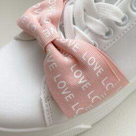 Sneakers love pink