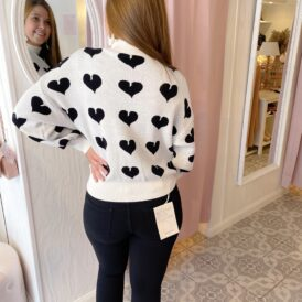 Sweater Hearts white