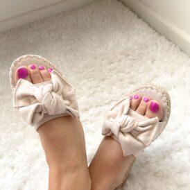 Sandaaltjes Suede bow beige